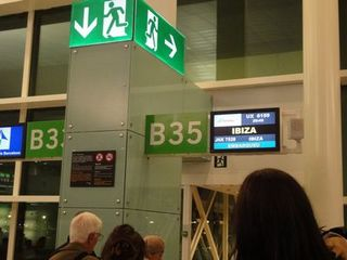 Barcerona Airport 2.jpg